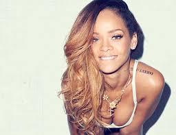 Rihanna dopo il forfait ai Grammy posticipa il tour mondiale