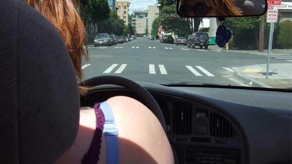 Argentina-uso-e-manutenzione-auto-contro-le-donne
