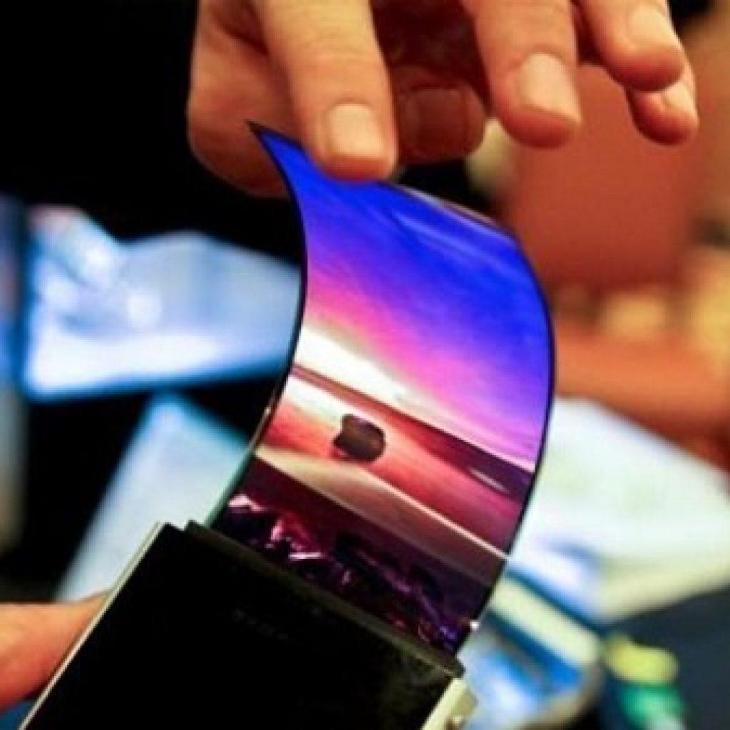 Il primo smartphone pieghevole del mondo è targato Samsung