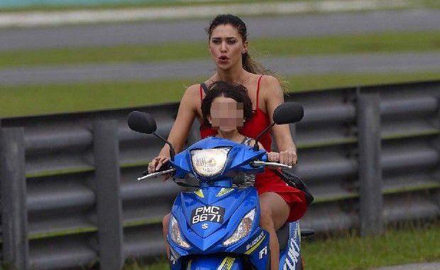 Belen Rodriguez spericolata, in moto senza casco con suo figlio