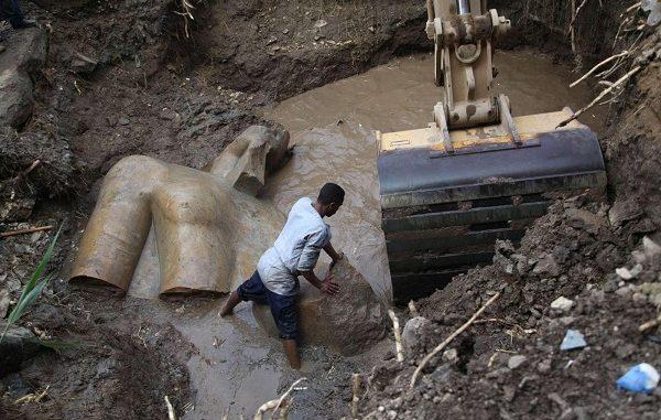 Il Cairo, ritrovata una statua gigante di Ramses II