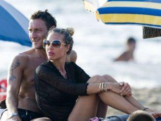 Totti e Ilary Blasi si rilassano al sole di Sabaudia