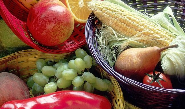 Dieta frutta verdura e poco zucchero per rallentare invecchiamento