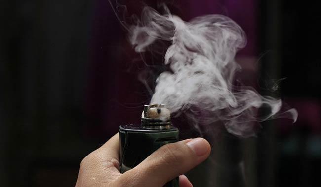 Le sigarette elettroniche sono dannose per gli adolescenti