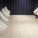 Prostata: uomini sedetevi quando andate al bagno