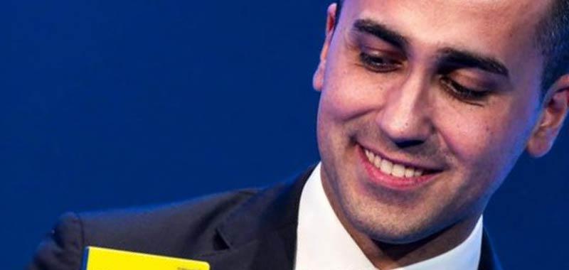 Di Maio gli elettori tramite Rousseau approvano il mandato zero