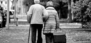 Roma morti due anziani coniugi suicidio per problemi economici