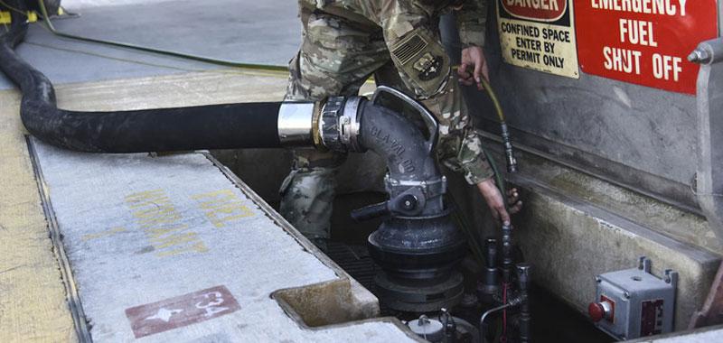 Arabia pesanti attacchi dimezzano la produzione di petrolio