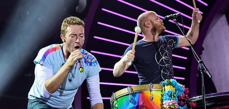 Coldplay dicono basta ai tour per non impattare sull'ambiente