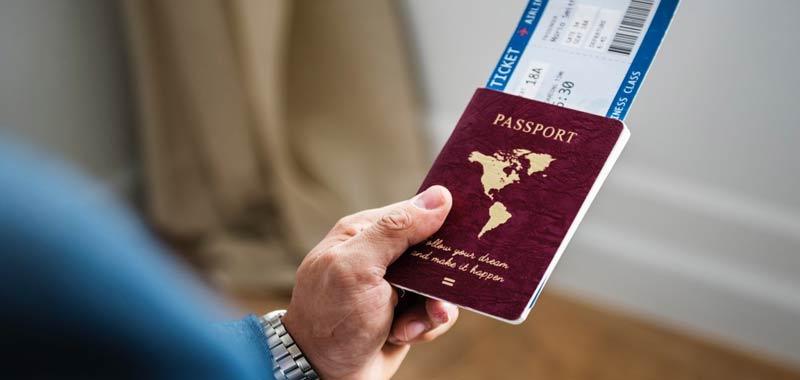 Truffa su Facebook, falsi biglietti aerei gratuiti