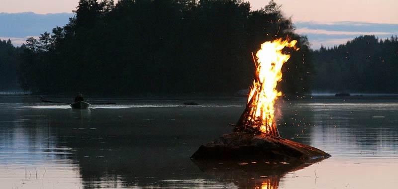 Come fa acqua a spegnere il fuoco