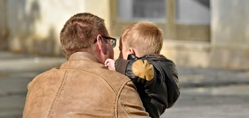 In Italia il lavoro ancora incompatibile col ruolo di genitore