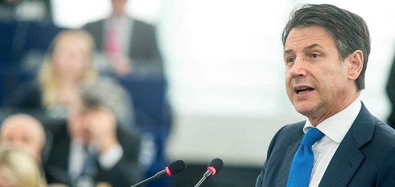 Giuseppe Conte stanzia 5 miliardi per gli indigenti