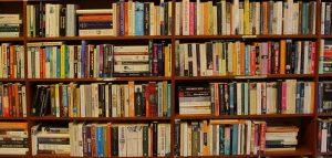 In Lombardia non riaprono neppure librerie e cartolibrerie