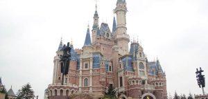 Disneyland riapre a Shanghai