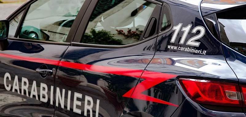 Bologna estremista fascista picchia selvaggiamente la moglie