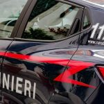 Bologna: abbandonano il figlio in auto per andare a rubare