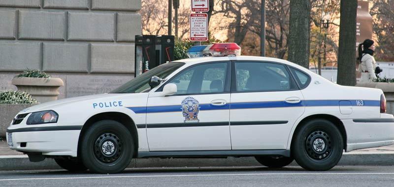 Usa agenti sparano alle spalle a un uomo di colore