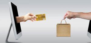 Le carte di credito stanno rovinando i matrimoni