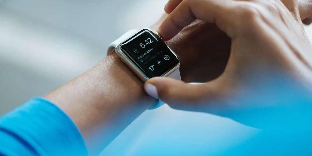 Gli smartwatch potrebbero rivelare il Covid-19