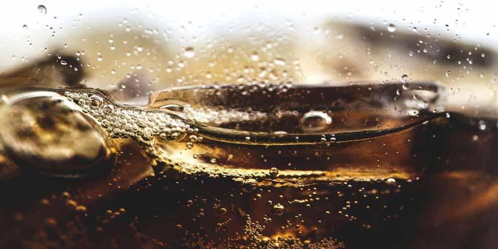 Bevande gassate e acide e hanno molte controindicazioni