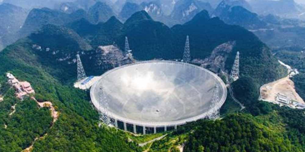 Astronomi adesso possono utilizzare il radiotelescopio cinese FAST