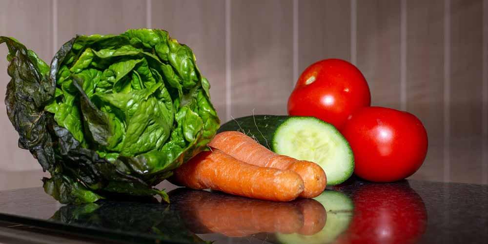 Vegano o vegetariano, quali sono le raccomandazioni alimentari